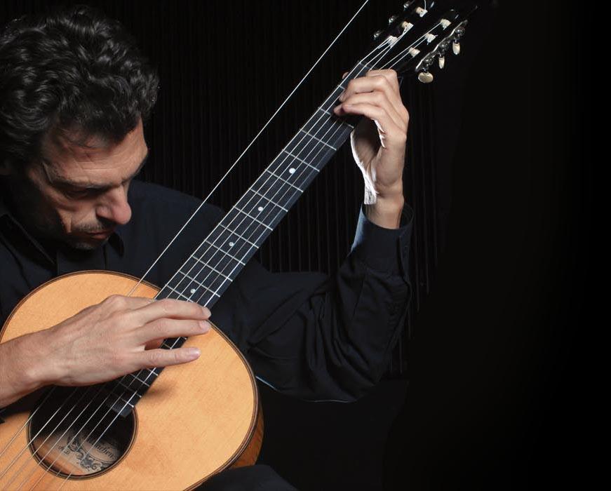 newsletter-christian-gruber-an-der-gitarre